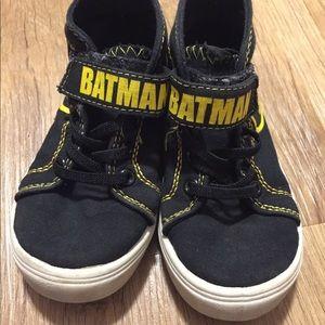 7475e04db287 DC Comics Shoes - Batman Toddler High Top Sneakers. Size 7